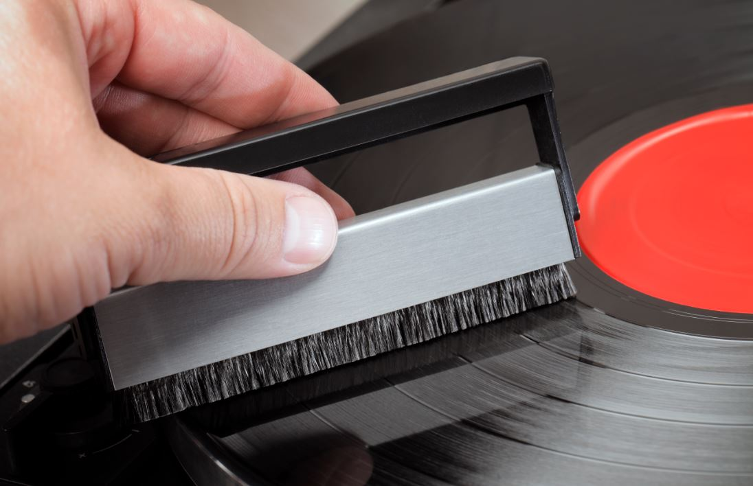 vinyl-record-storage-and-maintenance